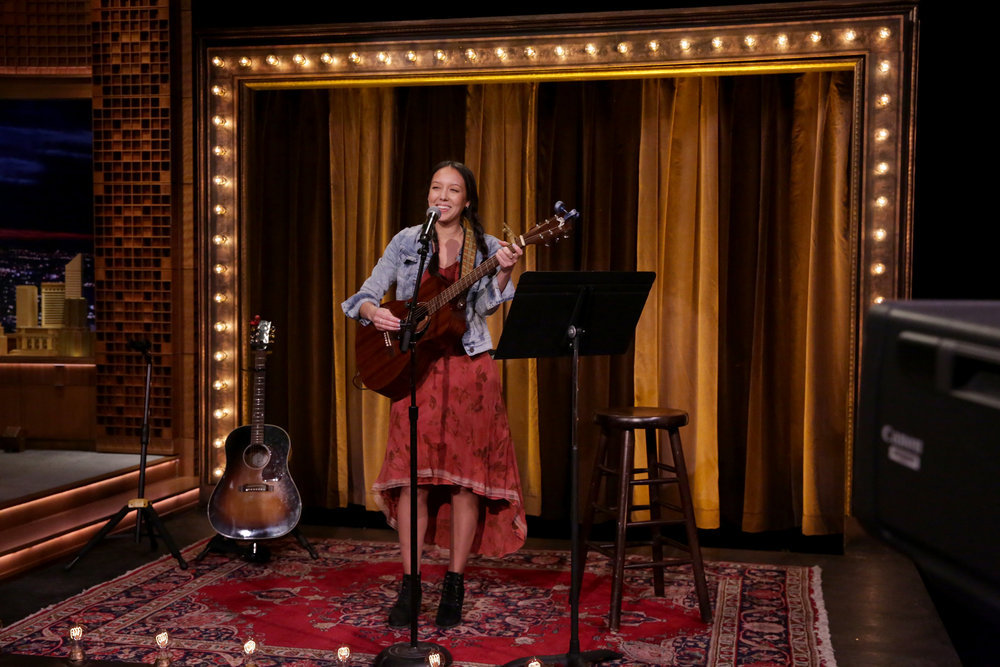 """THE TONIGHT SHOW STARRING JIMMY FALLON -- Episode 0648 -- Pictured: Songwriter Amy Vachal during """"Battle of the Instant Songwriters"""" on March 28, 2017 -- (Photo by: Andrew Lipovsky/NBC)"""