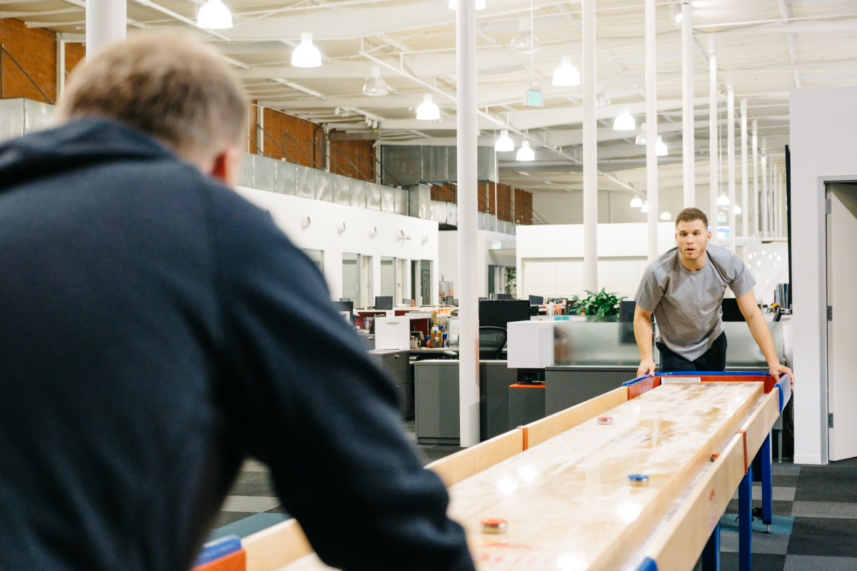 """Blake Griffin plays shuffleboard with James Corden while filming """"A Day In The Life with Blake Griffin"""" during """"The Late Late Show with James Corden,"""" Monday, March 13, 2017 (12:35 PM-1:37 AM ET/PT) On The CBS Television Network. Photo: Terence Patrick/CBS ©2016 CBS Broadcasting, Inc. All Rights Reserved"""