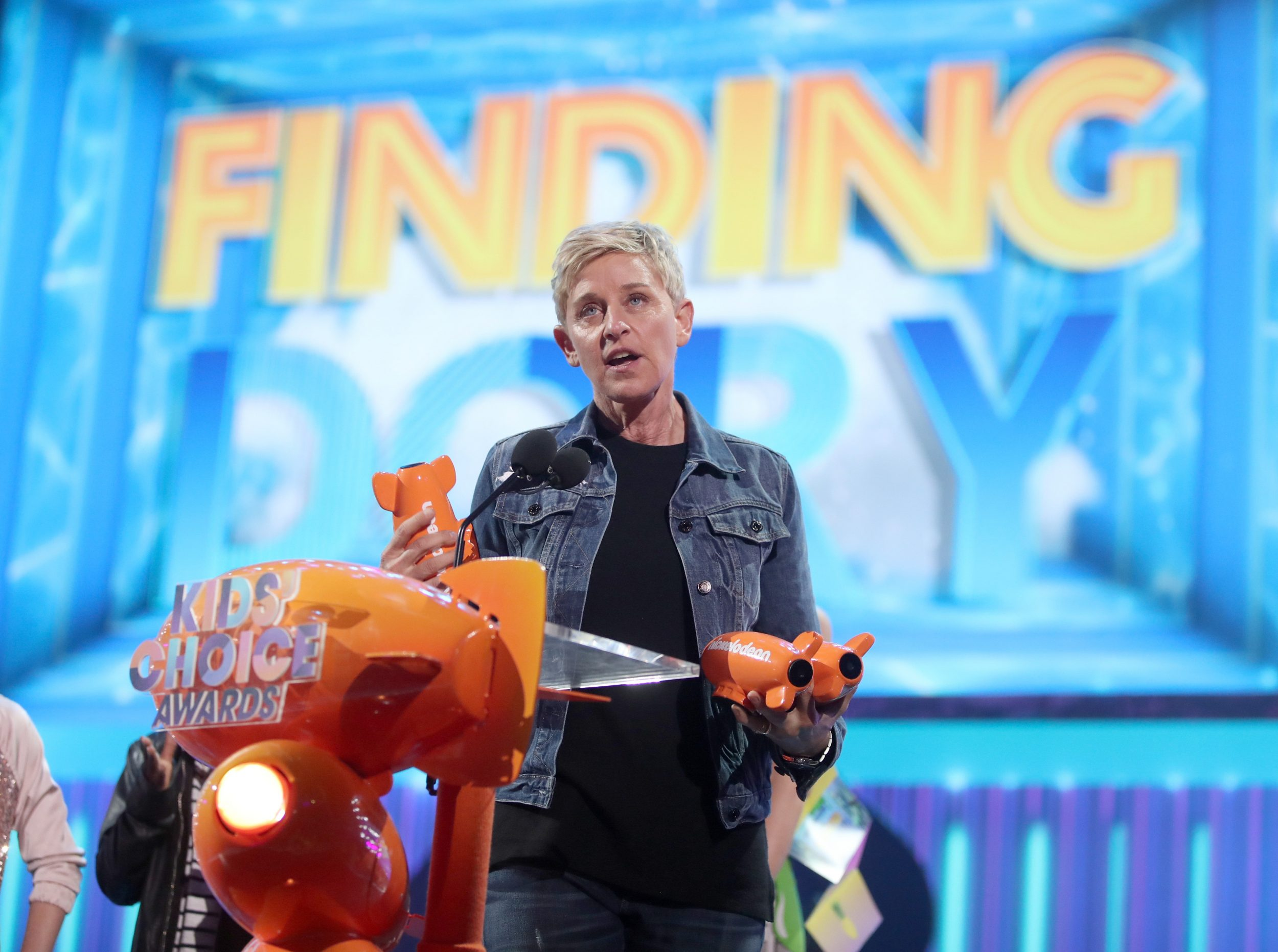 LOS ANGELES, CA - MARCH 11:  TV personality Ellen DeGeneres accepts the award for Favorite Voice From an Animated Movie onstage at Nickelodeon's 2017 Kids' Choice Awards at USC Galen Center on March 11, 2017 in Los Angeles, California.  (Photo by Chris Polk/KCA2017/Getty Images for Nickelodeon)