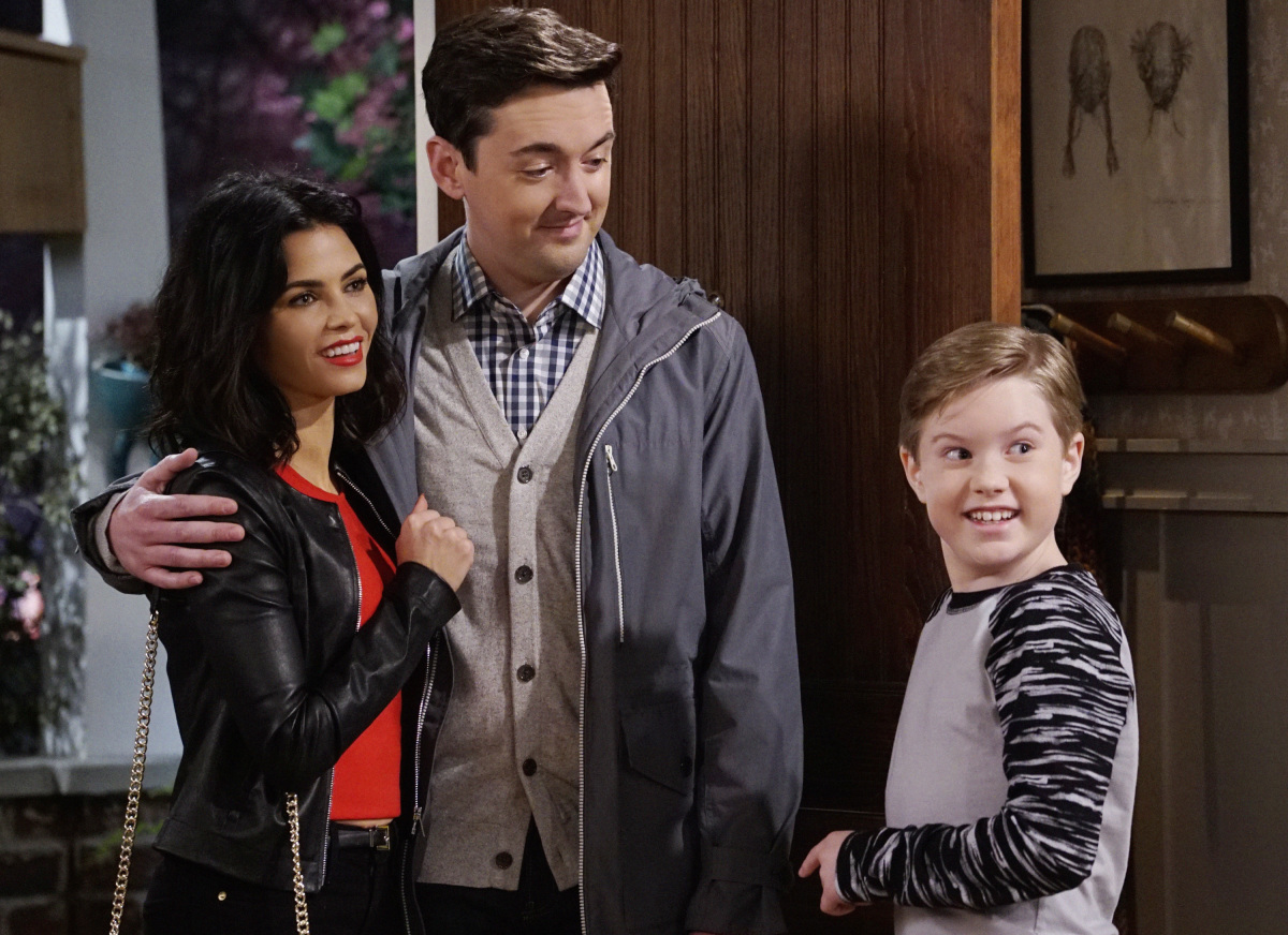 """The A Team"" -- Adam and Andi are shocked when they finally meet Lowell's wife, Jen (Jenna Dewan Tatum), on MAN WITH A PLAN, Monday, March 13 (8:30-9:00 PM, ET/PT) on the CBS Television Network. Picture (L-R) Jenna Dewan Tatum as Jen , Matt Cook as Lowell and Matthew McCann as Teddy Burns Photo: Cliff Lipson/CBS ©2017 CBS Broadcasting, Inc. All Rights Reserved"