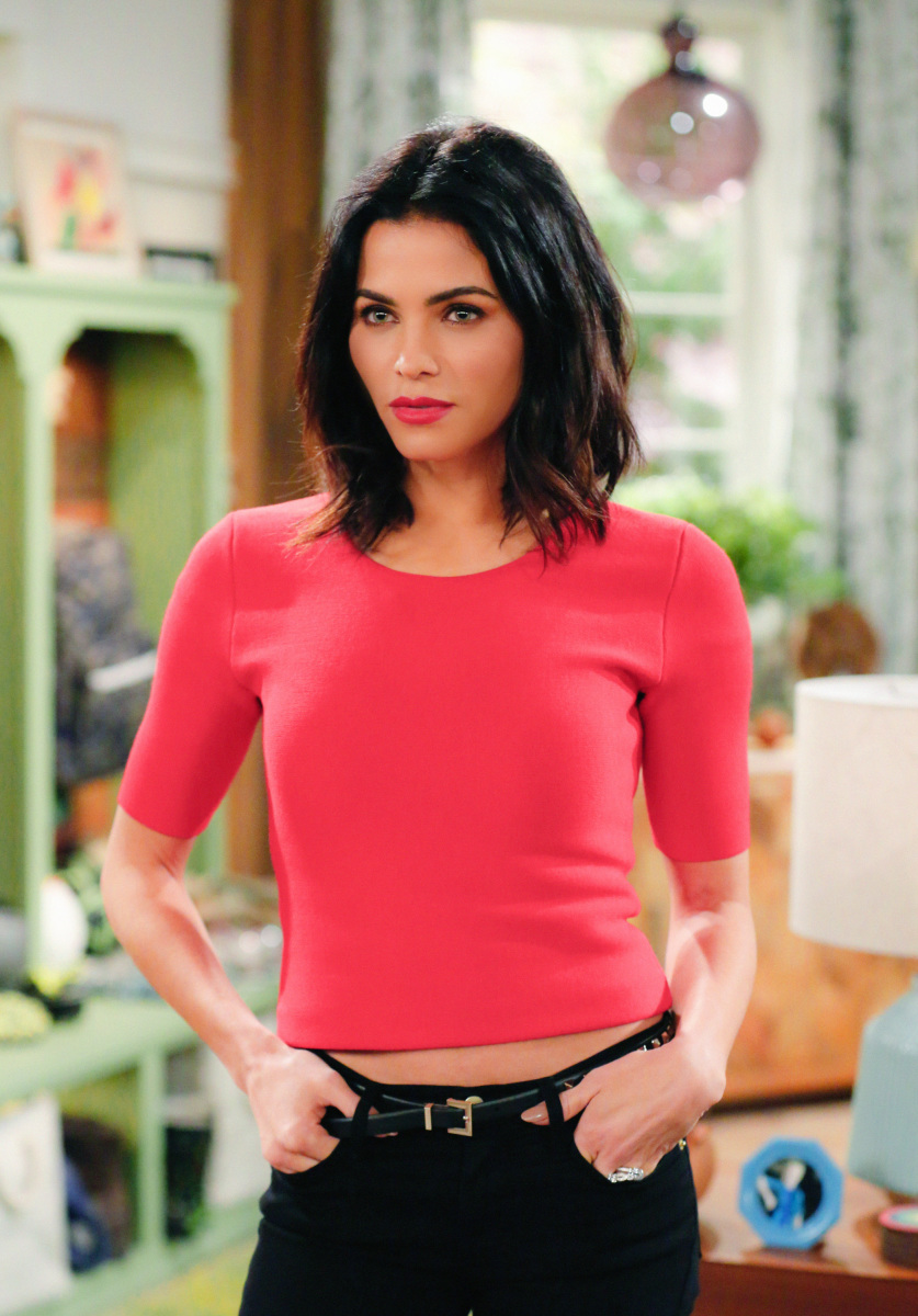 """The A Team"" -- Adam and Andi are shocked when they finally meet Lowell's wife, Jen (Jenna Dewan Tatum), on MAN WITH A PLAN, Monday, March 13 (8:30-9:00 PM, ET/PT) on the CBS Television Network. Pictured Jenna Dewan Tatum as Jen Photo: Cliff Lipson/CBS ©2017 CBS Broadcasting, Inc. All Rights Reserved"