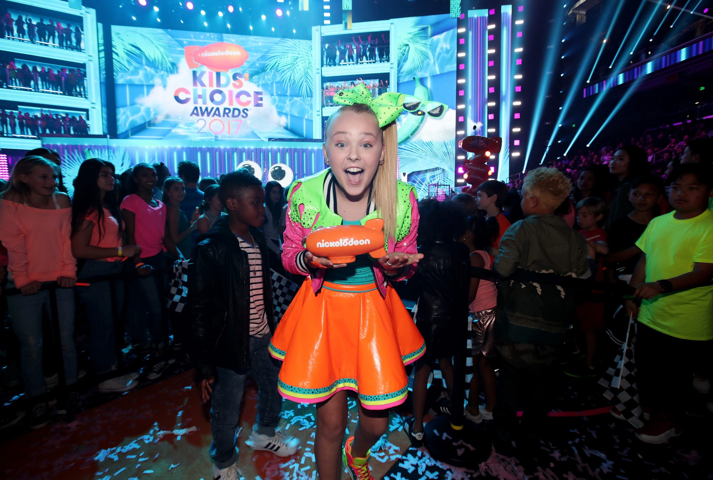 LOS ANGELES, CA - MARCH 11:  Internet personality JoJo Siwa, winner of Favorite Viral Artist, at Nickelodeon's 2017 Kids' Choice Awards at USC Galen Center on March 11, 2017 in Los Angeles, California.  (Photo by Chris Polk/KCA2017/Getty Images for Nickelodeon - Issued to Media by Nickelodeon)
