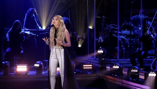 """Julia Michaels Performs """"Issues"""" On """"The Tonight Show Starring Jimmy Fallon"""" (Watch Now)"""