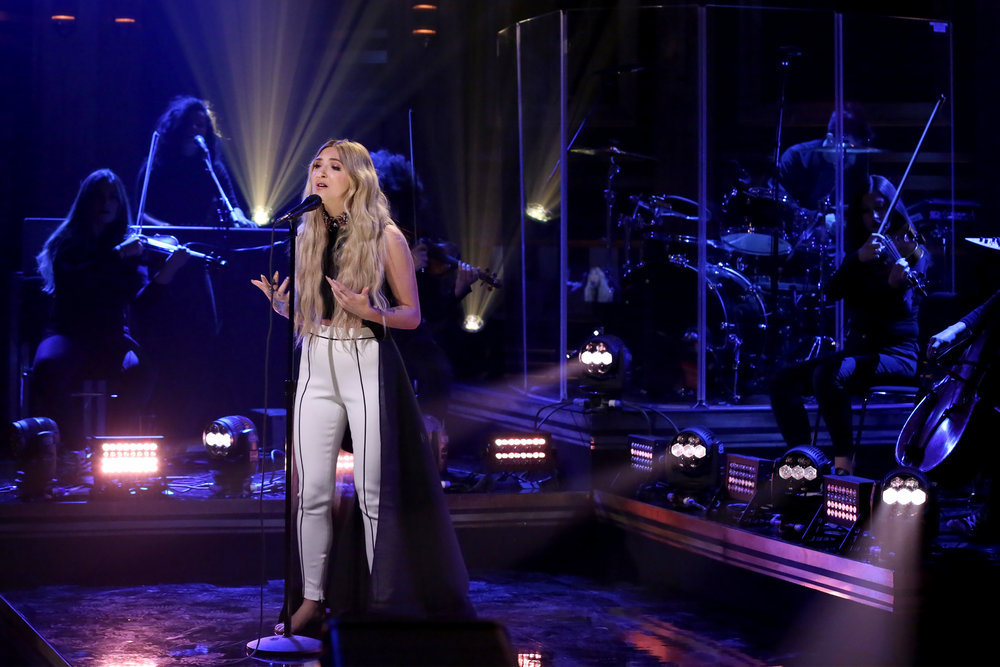 THE TONIGHT SHOW STARRING JIMMY FALLON -- Episode 0642 -- Pictured: Musical guest Julia Michaels performs on March 20, 2017 -- (Photo by: Andrew Lipovsky/NBC)