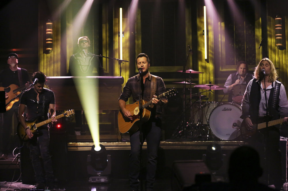 THE TONIGHT SHOW STARRING JIMMY FALLON -- Episode 0635 -- Pictured: Musical guest Luke Bryan performs on March 2, 2017 -- (Photo by: Andrew Lipovsky/NBC)
