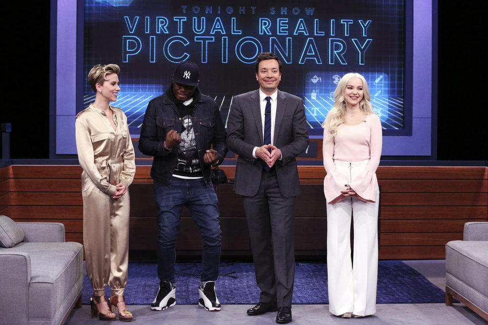 "THE TONIGHT SHOW STARRING JIMMY FALLON -- Episode 0647 -- Pictured: (l-r) Actress Scarlett Johansson, comedian Michael Che, host Jimmy Fallon, and actress Dove Cameron during ""VR Pictionary"" on March 27, 2017 -- (Photo by: Andrew Lipovsky/NBC)"
