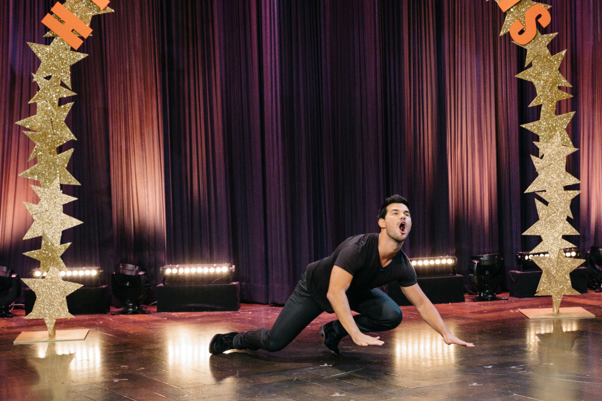 """Taylor Lautner performs for Hidden Talents during """"The Late Late Show with James Corden,"""" Tuesday, February 28, 2017 (12:35 PM-1:37 AM ET/PT) On The CBS Television Network. Photo: Terence Patrick/CBS ©2016 CBS Broadcasting, Inc. All Rights Reserved"""