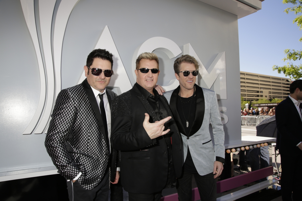 Rascal Flatts on the red carpet at THE 52ND ACADEMY OF COUNTRY MUSIC AWARDS®, broadcast LIVE from T-Mobile Arena in Las Vegas Sunday, April 2 (live 8:00-11:00 PM, ET/delayed PT) on the CBS Television Network. Photo: Francis Specker/CBS ©2017 CBS Broadcasting, Inc. All Rights Reserved