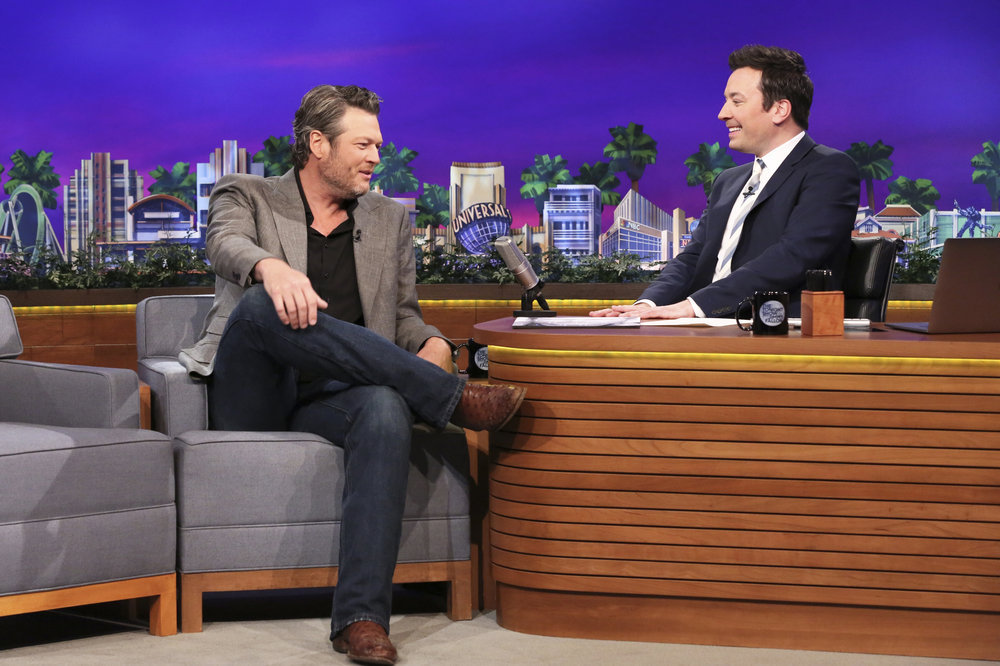 THE TONIGHT SHOW STARRING JIMMY FALLON -- Episode 0652 -- Pictured: (l-r) Musician Blake Shelton during an interview with host Jimmy Fallon on April 4, 2017 -- (Photo by: Andrew Lipovsky/NBC)