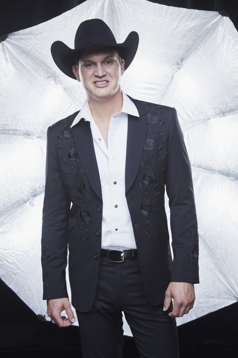 Jon Pardi poses for a photograph at the photo booth THE 52ND ACADEMY OF COUNTRY MUSIC AWARDS®, broadcast LIVE from T-Mobile Arena in Las Vegas Sunday, April 2 (8:00-11:00 PM, live ET/delayed PT) on the CBS Television Network. Photo: Monty Brinton/CBS ©2017 CBS Broadcasting, Inc. All Rights Reserved