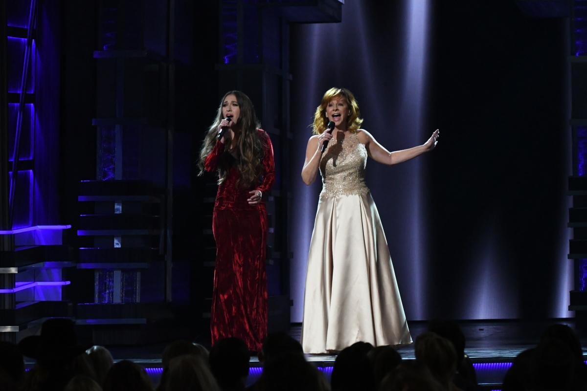 "Lauren Daigle American Idol >> Reba's ""Back To God,"" Little Big Town's ""Happy People"
