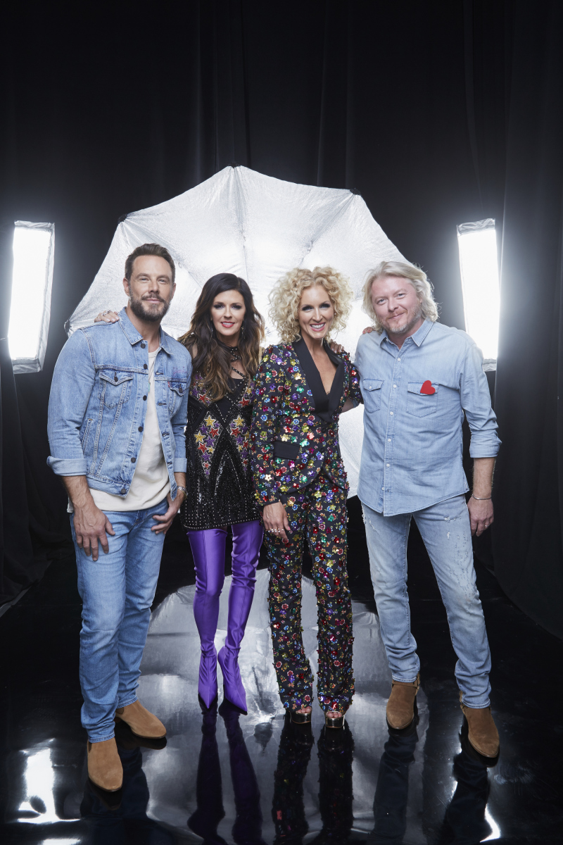 Little Big Town pose for a photograph at the photo booth THE 52ND ACADEMY OF COUNTRY MUSIC AWARDS®, broadcast LIVE from T-Mobile Arena in Las Vegas Sunday, April 2 (8:00-11:00 PM, live ET/delayed PT) on the CBS Television Network. Photo: Monty Brinton/CBS ©2017 CBS Broadcasting, Inc. All Rights Reserved