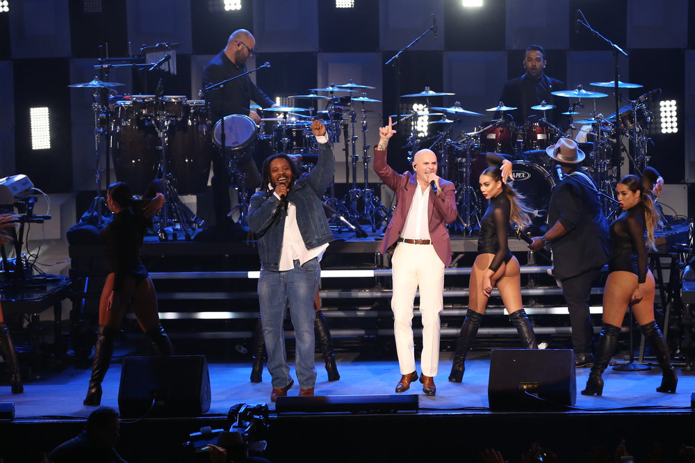 THE TONIGHT SHOW STARRING JIMMY FALLON -- Episode 0651 -- Pictured: (l-r) Musical guest Pitbull featuring Stephen Marley performs on April 3, 2017 -- (Photo by: Andrew Lipovsky/NBC)
