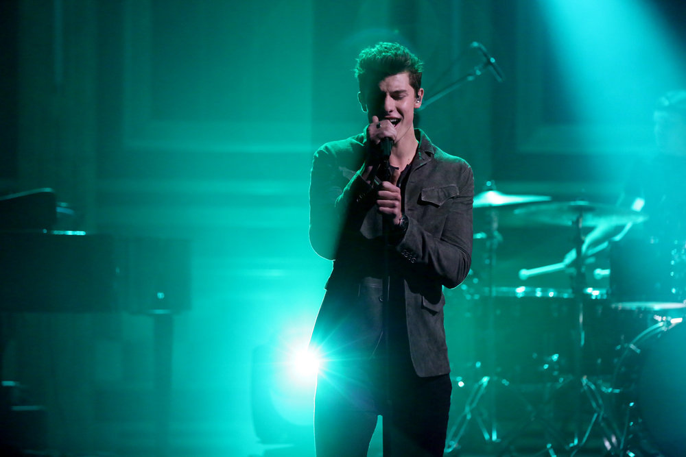 """Shawn Mendes' """"Mercy"""" enters the Top 5 at Hot AC radio 