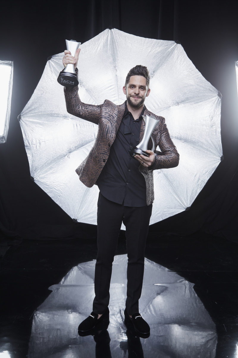 Thomas Rhett poses for a photograph at the photo booth THE 52ND ACADEMY OF COUNTRY MUSIC AWARDS®, broadcast LIVE from T-Mobile Arena in Las Vegas Sunday, April 2 (8:00-11:00 PM, live ET/delayed PT) on the CBS Television Network. Photo: Monty Brinton/CBS ©2017 CBS Broadcasting, Inc. All Rights Reserved
