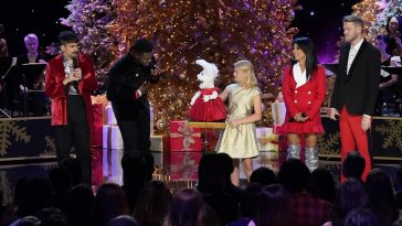 first look nbcs a very pentatonix christmas special airs on november 27 - Rockefeller Christmas Show