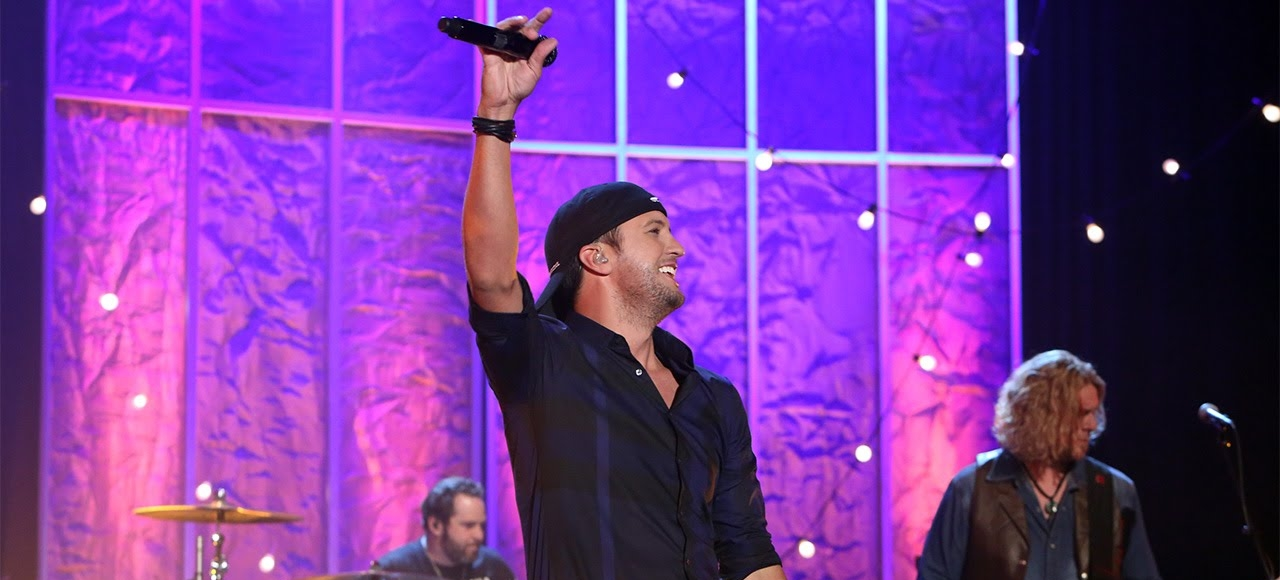 luke bryan sia queens of the stone age to perform on