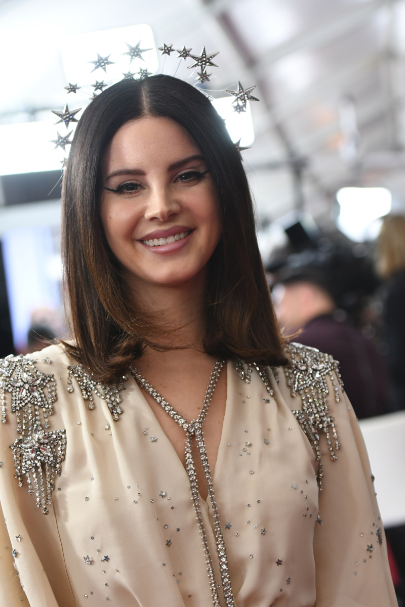 7dafc4d3d21 Special Look: Lana Del Rey, Maren Morris, Brothers Osborne Walk Grammy  Awards Red Carpet
