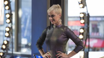 Katy Perry Cozy Little Christmas.Katy Perry S Cozy Little Christmas Debuts On Hot Ac Radio