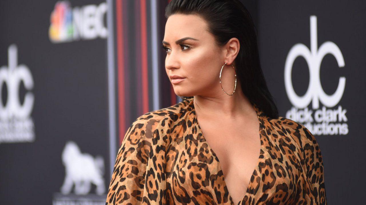 Hot 100: Demi Lovato's