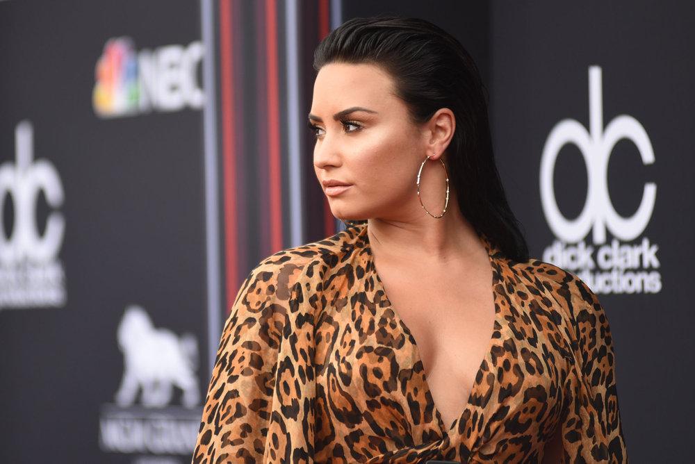 Demi Lovato Walks 2018 Billboard Music Awards Red Carpet