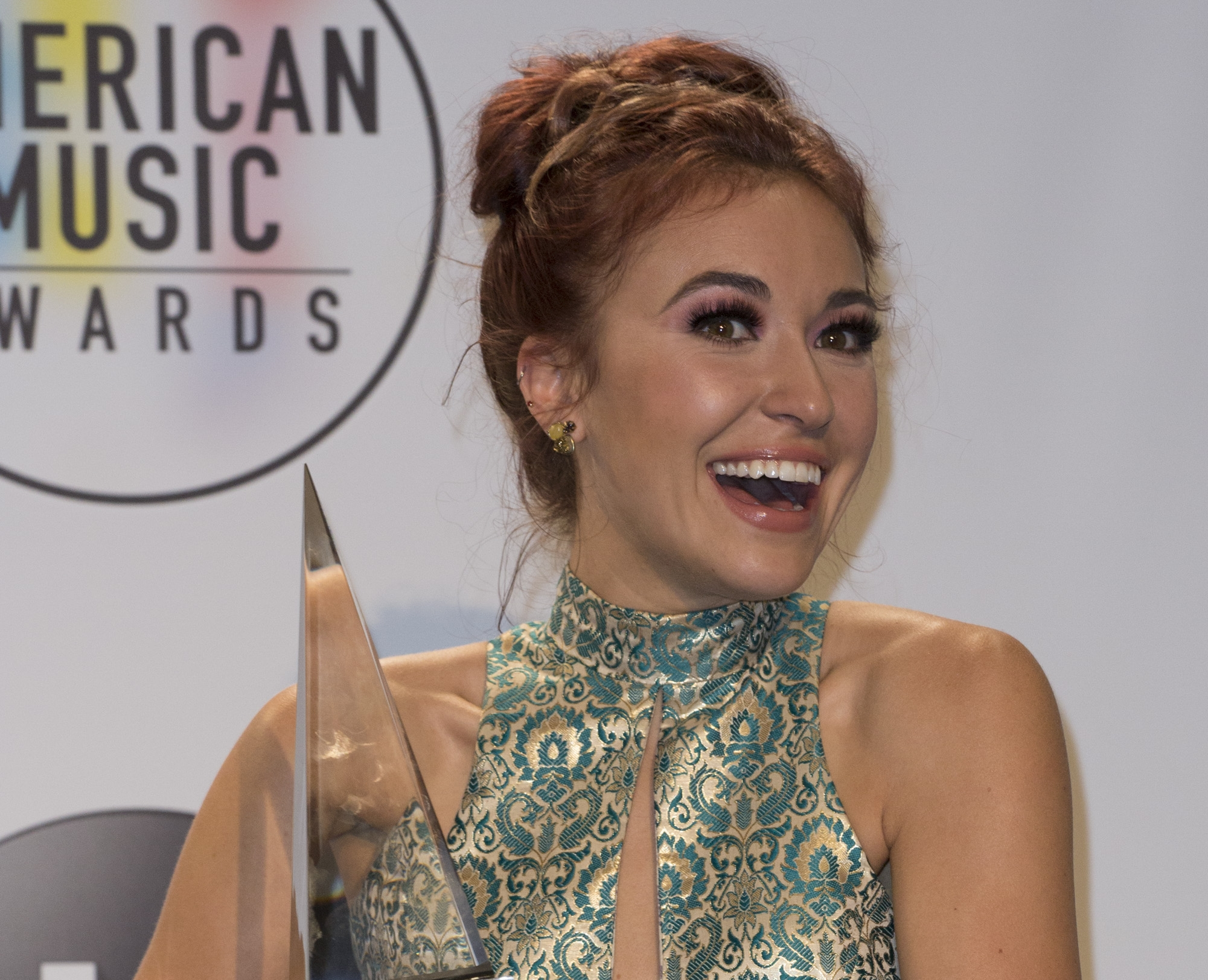 """Lauren Daigle's """"You Say"""" Celebrates 5th Week At #1 On ..."""