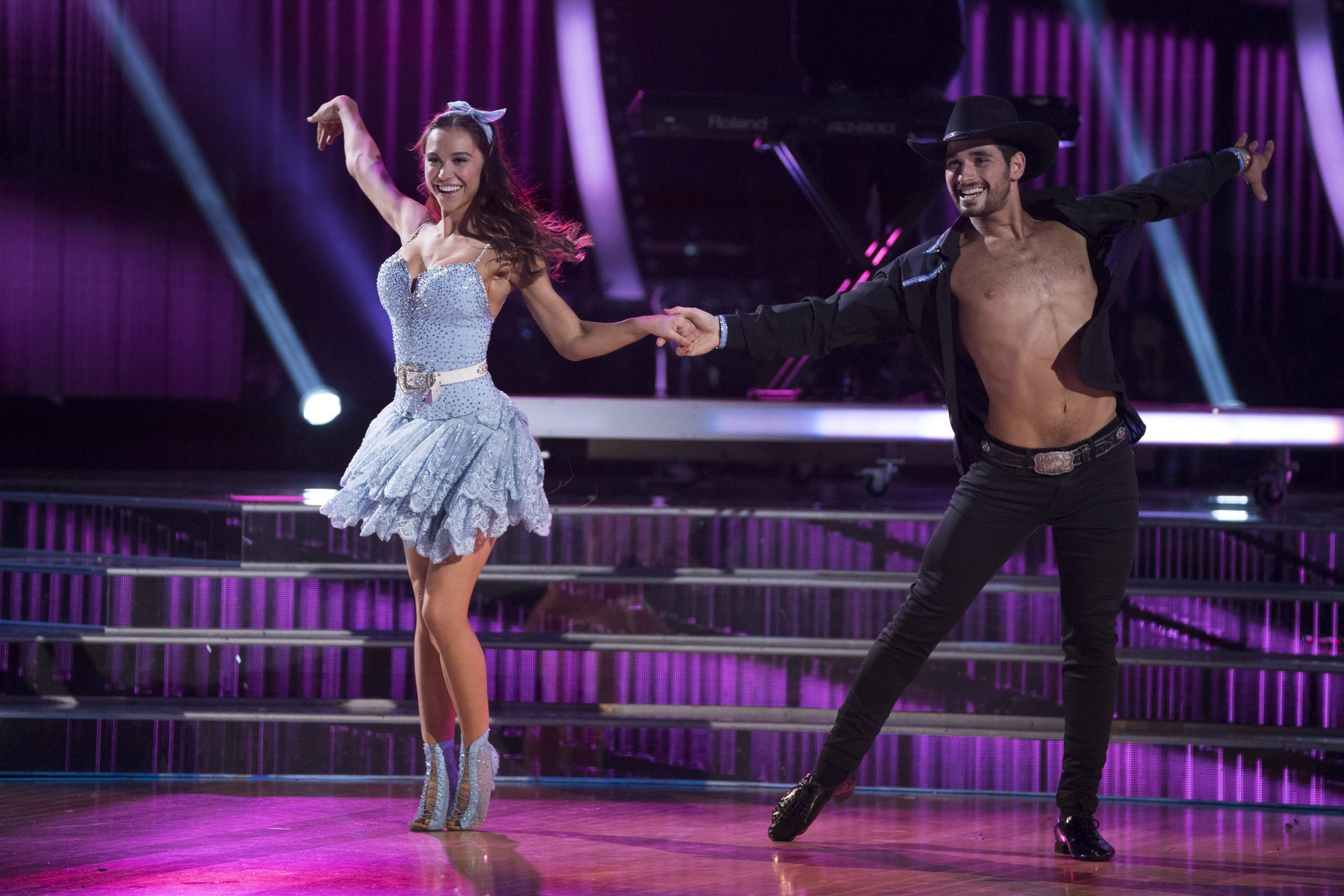 """Dancing Stars Gallery: Alexis Ren Stuns During Country Night On """"Dancing With The"""