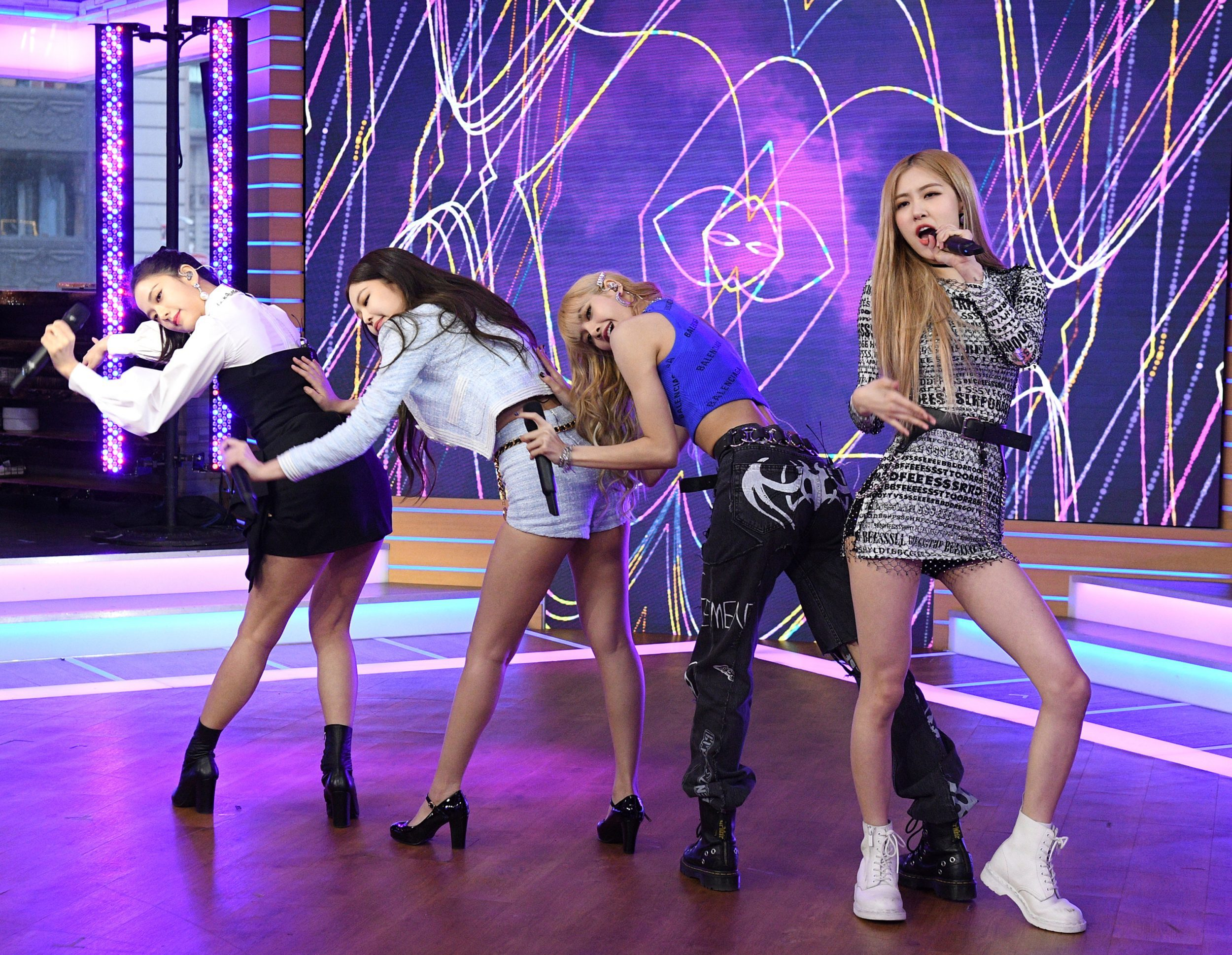 """Lauren Daigle Songs >> BLACKPINK Performed On Tuesday's """"Good Morning America"""