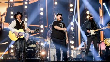 Brooks & Dunn and Luke Combs rehearse for the ACM Awards