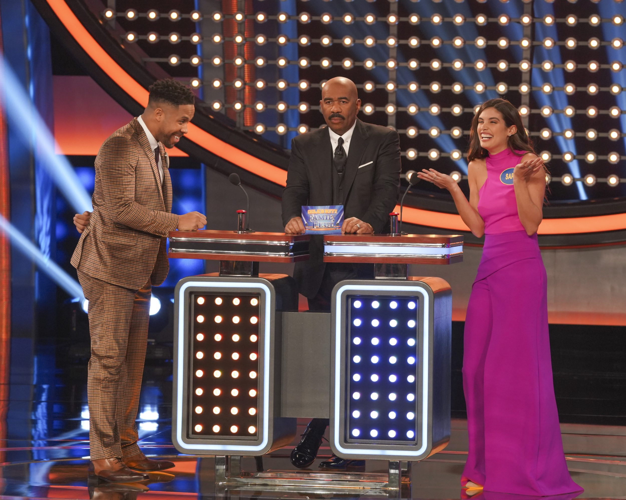 Celebrity Family Feud - *Sleuthing - Spoilers* - Discussion - Page 2 Family-Feud-Victorias-Secret-Bachelor-11