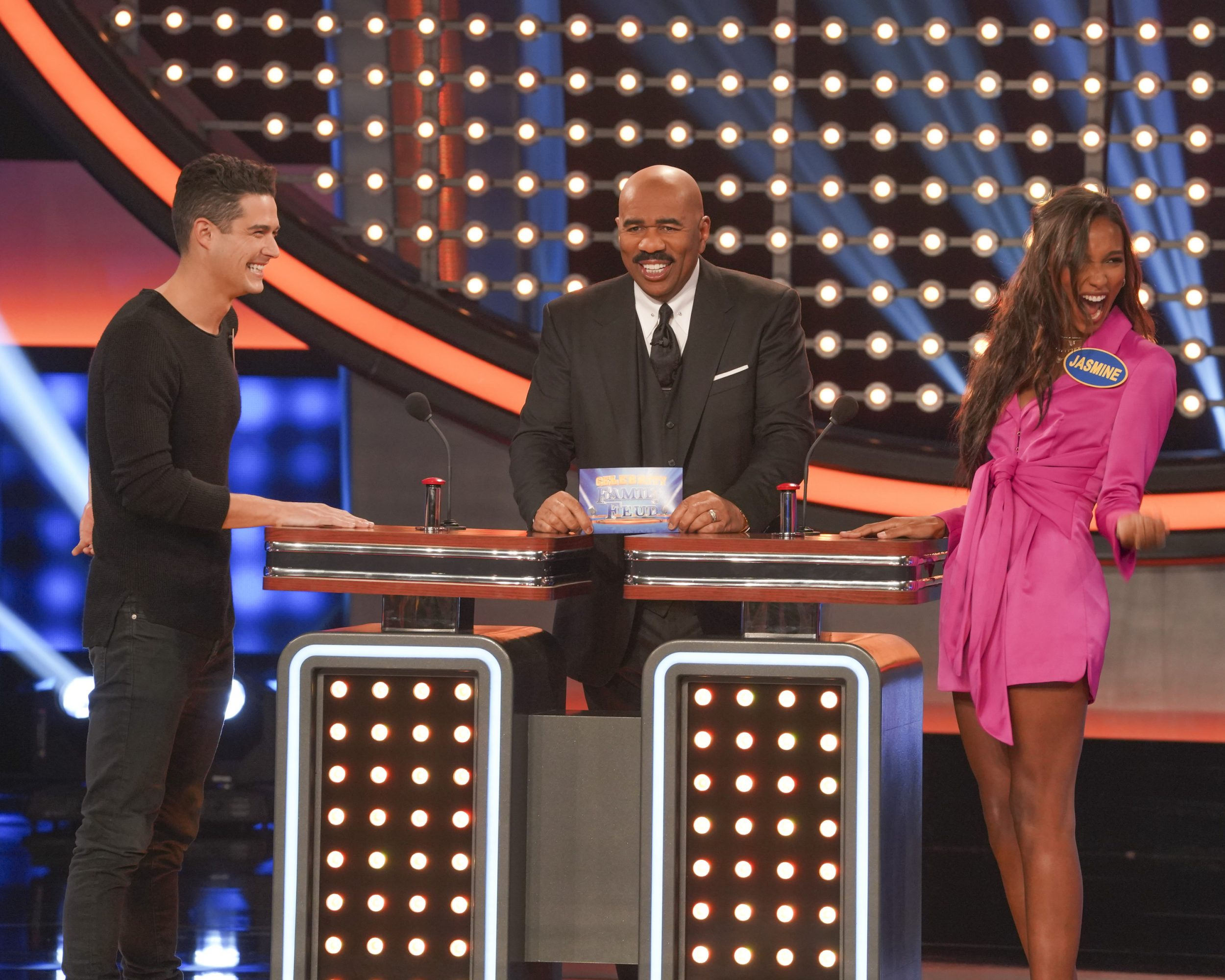 Celebrity Family Feud - *Sleuthing - Spoilers* - Discussion - Page 2 Family-Feud-Victorias-Secret-Bachelor-13