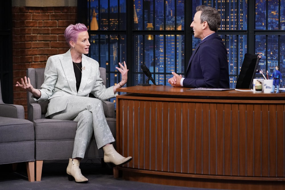megan rapinoe appears on monday u0026 39 s  u0026quot late night with seth