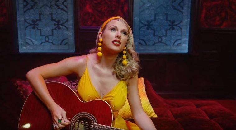 Taylor Swift S Lover Arizona Zervas Roxanne Make Top 15 At Pop Radio Weeknd Blackbear Why Don T We Billie Eilish Top 20