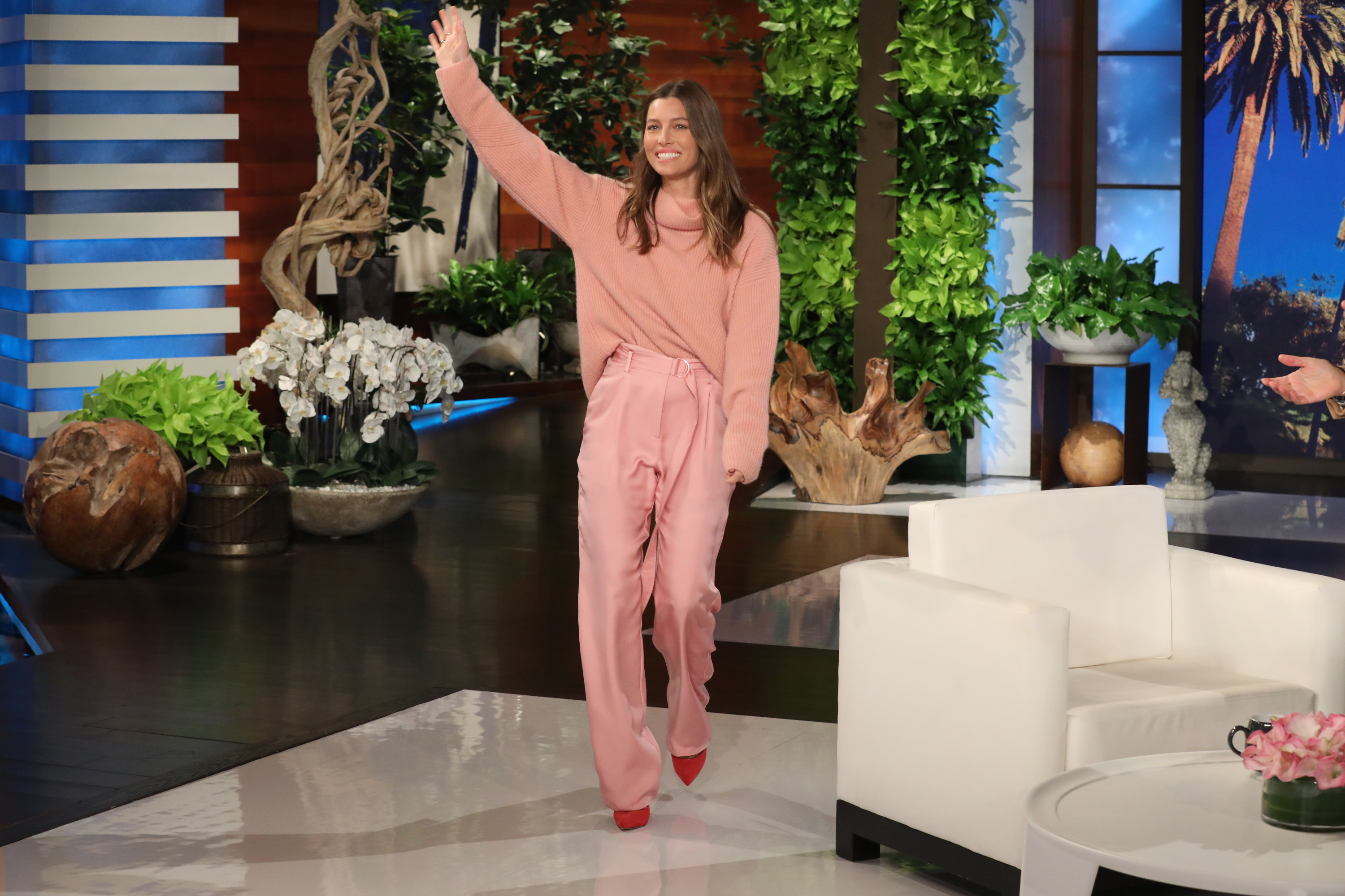 Astonishing Jessica Biel Chats Plays Guesstures On The Ellen Degeneres Gamerscity Chair Design For Home Gamerscityorg