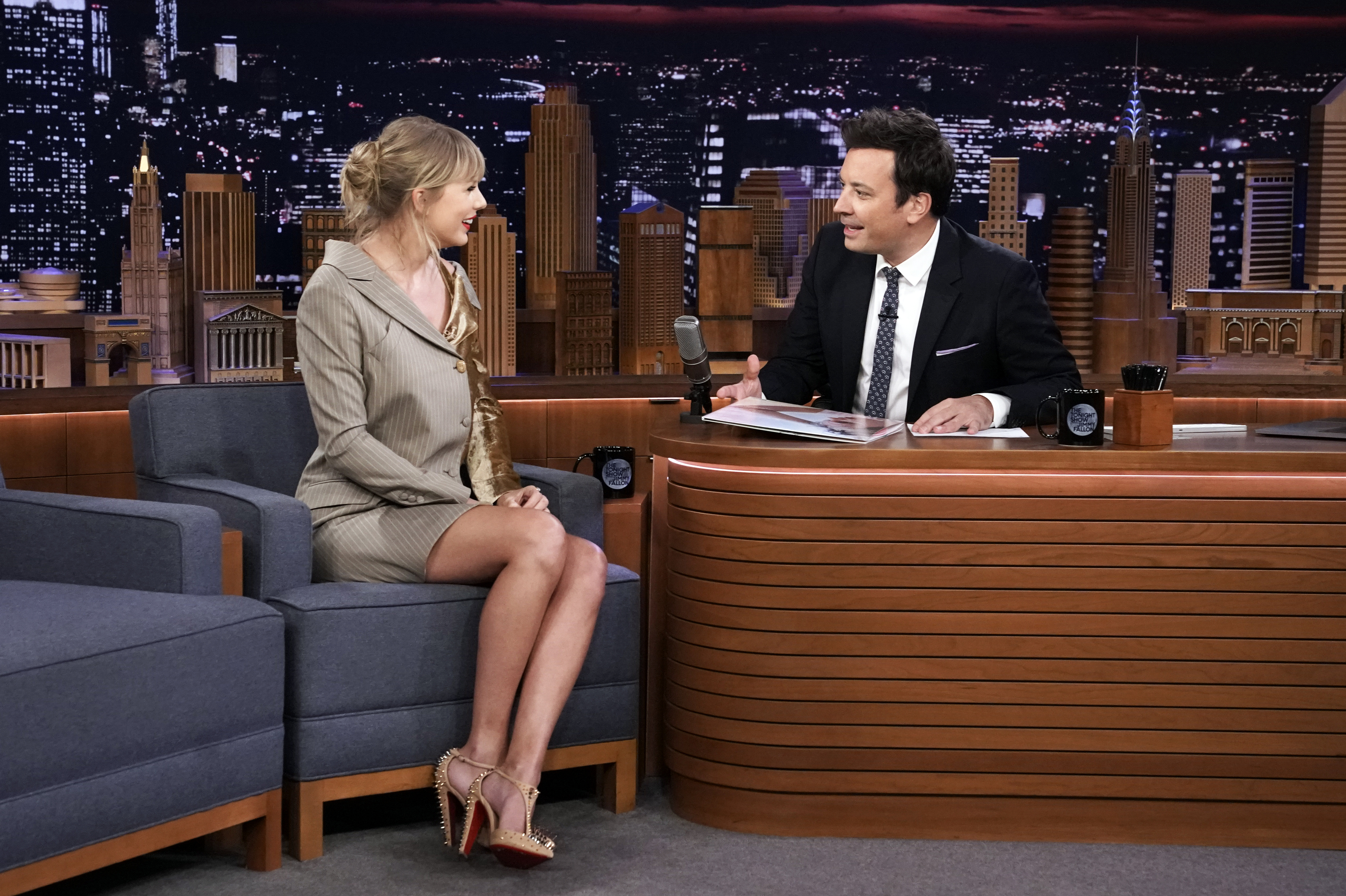 Taylor Swift Talks Tour, Is Mortified by Post-Lasik Video on 'Fallon'