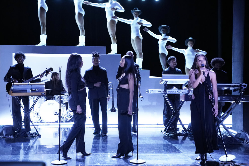 Solange Performs Astonishing Medley On The Tonight Show Starring Jimmy Fallon
