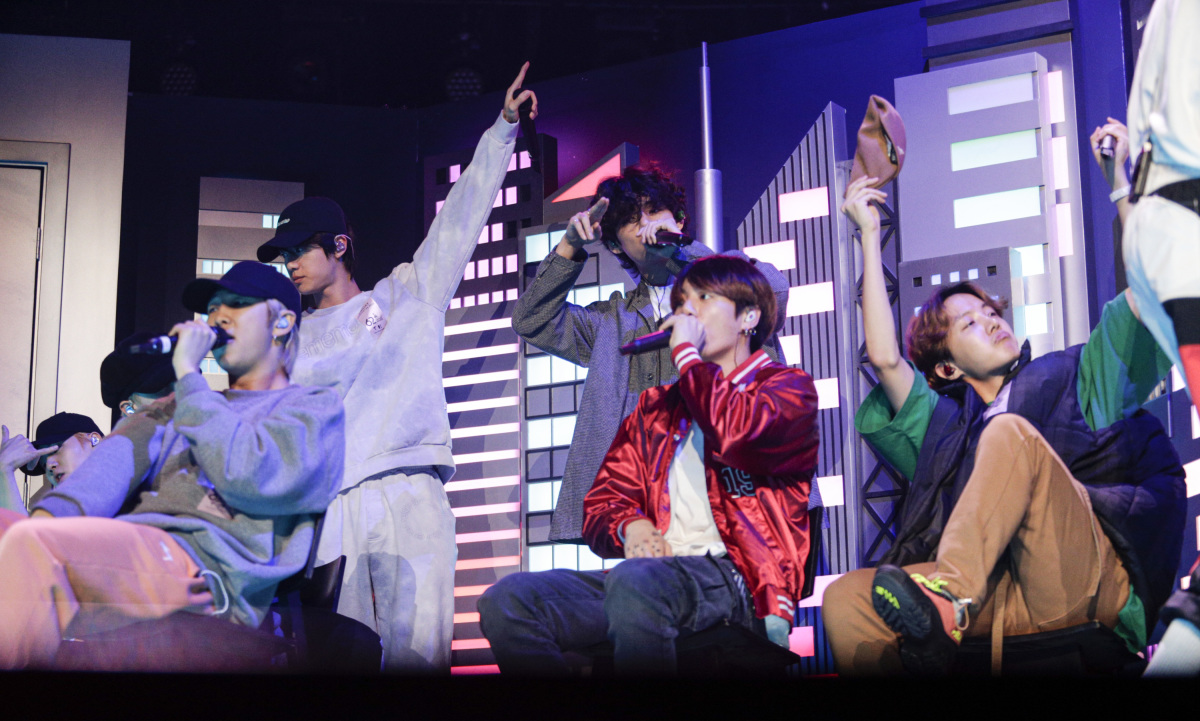 bts rehearses for sunday s grammy awards performance special look https headlineplanet com home 2020 01 24 bts rehearses for sundays grammy awards performance special look