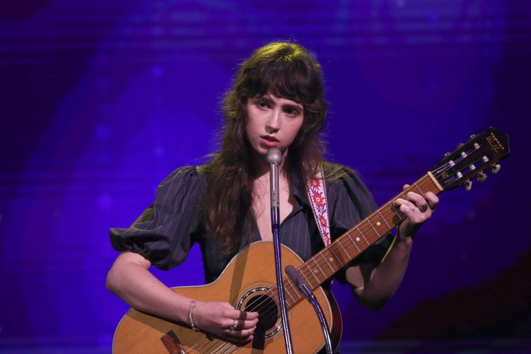 """Clairo Performs New Song """"Blouse"""" On Thursday's """"Tonight Show Starring  Jimmy Fallon"""" (Watch Now)"""